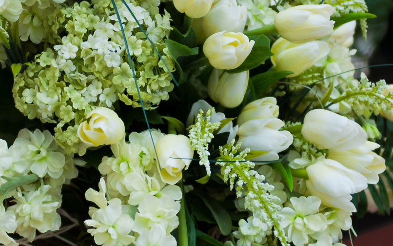 Flowers for Condolences and Sympathy